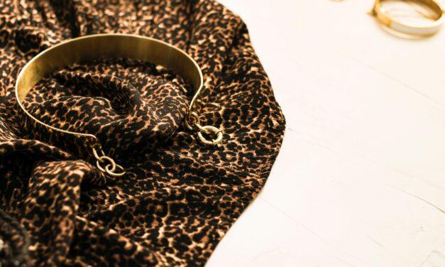 Nieskromny minimalizm, czyli wybór najmodniejszej złotej biżuterii
