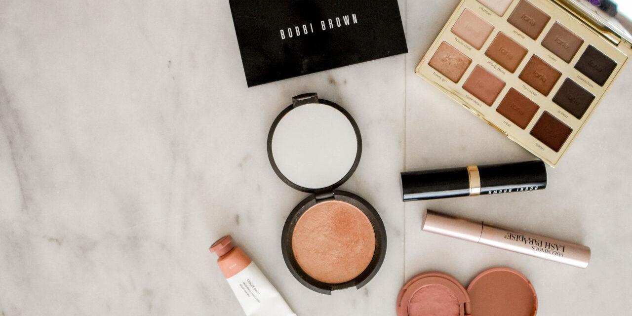 Setting Spray, czyli jak nakładać utrwalacz do makijażu? Polecane produkty!